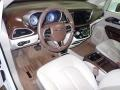 Chrysler Pacifica Touring L Bright White photo #19