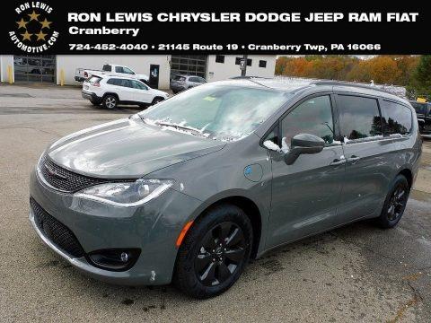 Ceramic Grey 2020 Chrysler Pacifica Hybrid Limited