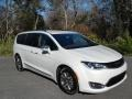 Chrysler Pacifica Hybrid Limited Luxury White Pearl photo #4