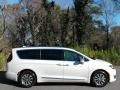 Chrysler Pacifica Hybrid Limited Luxury White Pearl photo #5