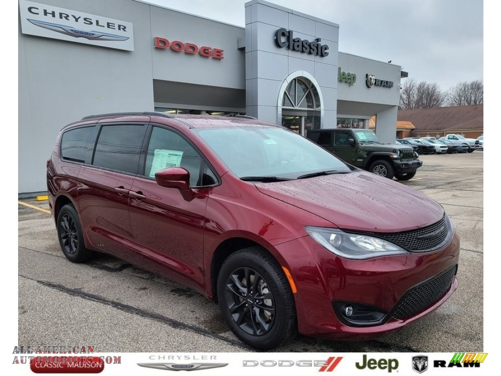 2020 Pacifica Touring L - Velvet Red Pearl / Black photo #1