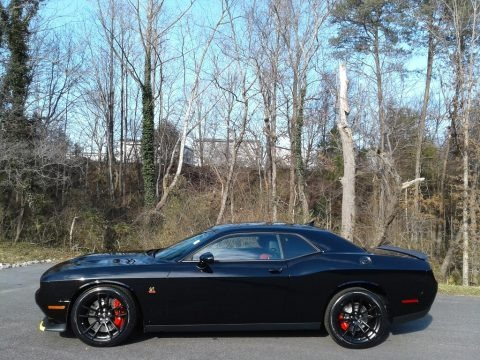 Pitch Black 2021 Dodge Challenger R/T Scat Pack