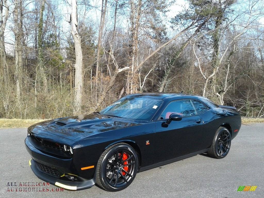 2021 Challenger R/T Scat Pack - Pitch Black / Black/Ruby Red photo #2