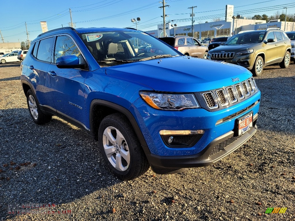 Laser Blue Pearl / Black Jeep Compass Latitude 4x4