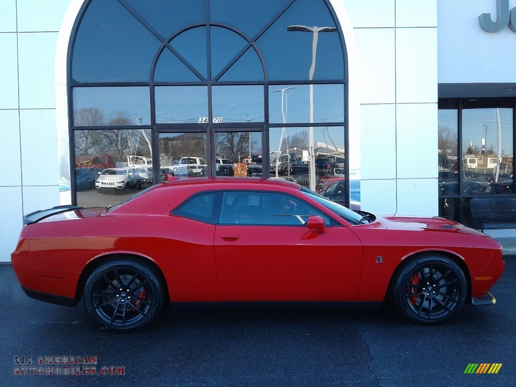 2021 Challenger R/T Scat Pack - Torred / Black/Ruby Red photo #5