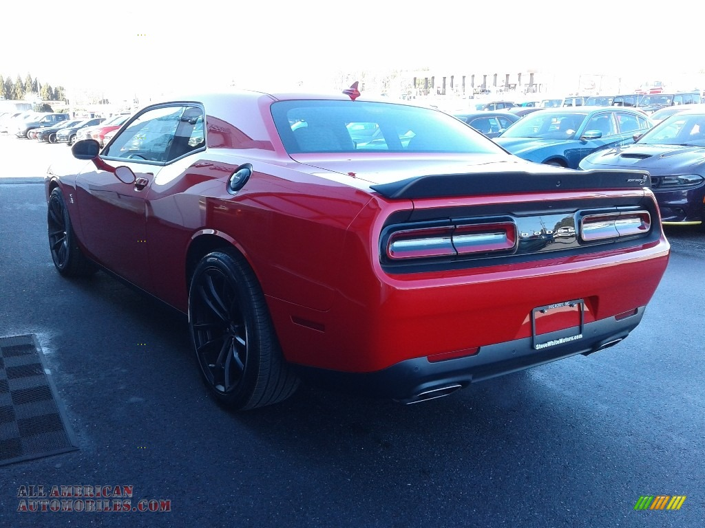 2021 Challenger R/T Scat Pack - Torred / Black/Ruby Red photo #7