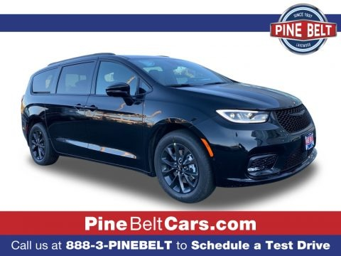 Brilliant Black Crystal Pearl 2021 Chrysler Pacifica Touring L