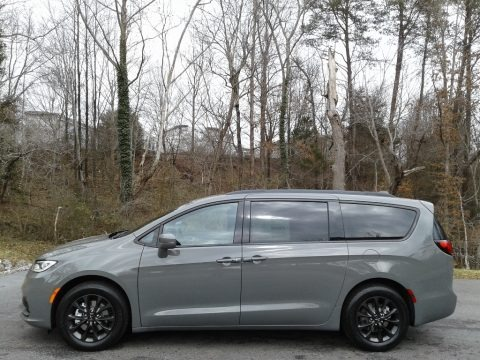 Ceramic Gray 2021 Chrysler Pacifica Touring L