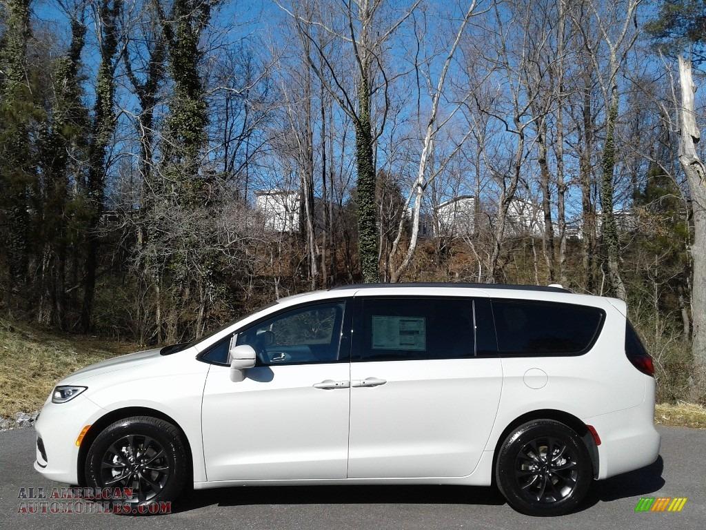 2021 Pacifica Touring L - Luxury White Pearl / Black photo #1