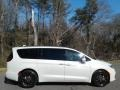 Chrysler Pacifica Touring L Luxury White Pearl photo #5