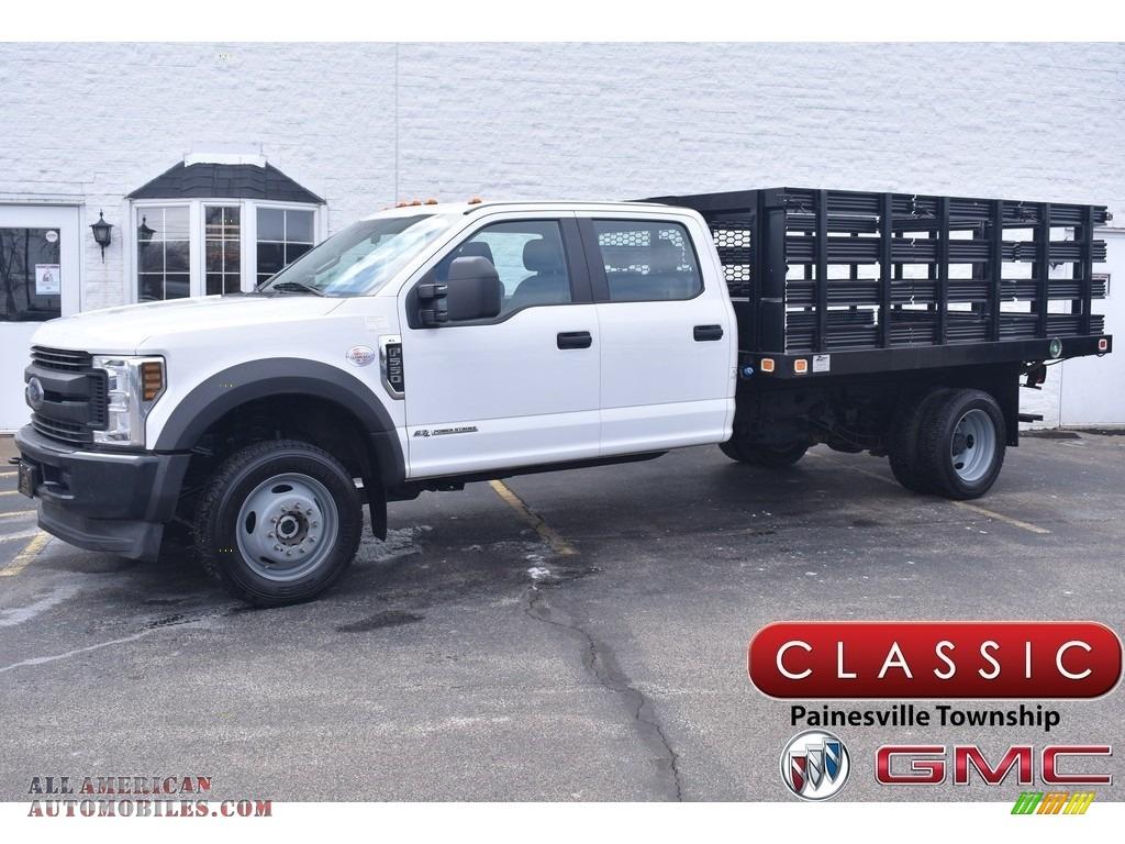 2019 F550 Super Duty XL Crew Cab 4x4 Stake Truck - White / Earth Gray photo #1