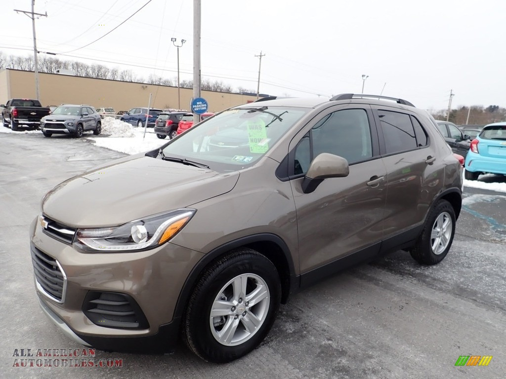2021 Trax LT - Stone Gray Metallic / Jet Black photo #1