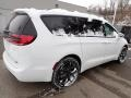 Chrysler Pacifica Touring AWD Bright White photo #6