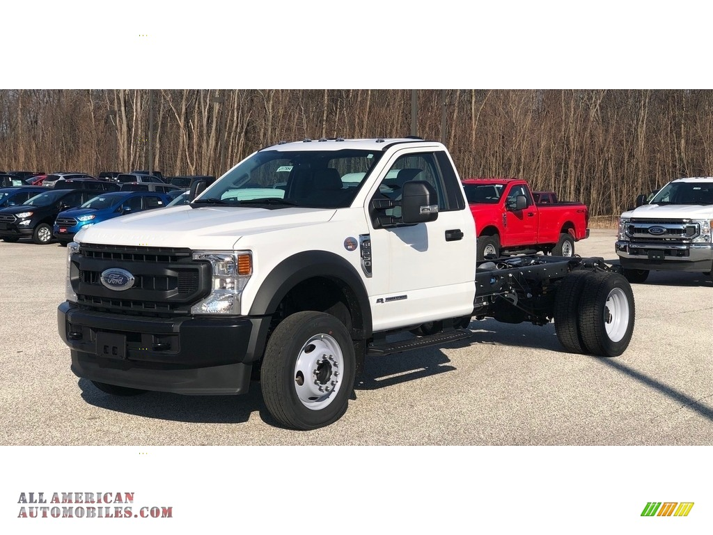2020 F550 Super Duty XL Regular Cab Chassis - Oxford White / Earth Gray photo #1