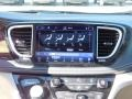 Chrysler Pacifica Hybrid Limited Bright White photo #9