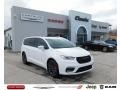 Chrysler Pacifica Limited AWD Bright White photo #1