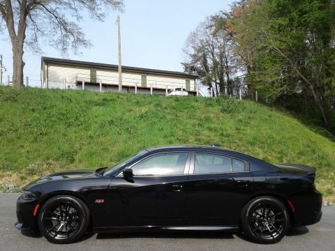 Pitch Black 2020 Dodge Charger Scat Pack