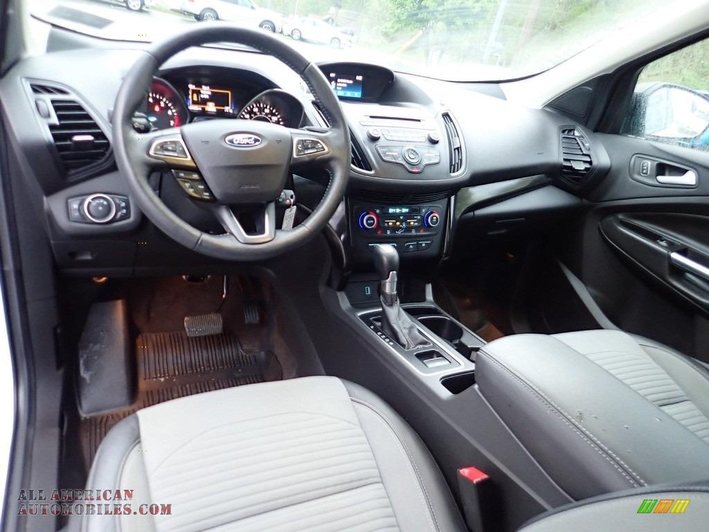 2018 Escape SE 4WD - Oxford White / Charcoal Black photo #17