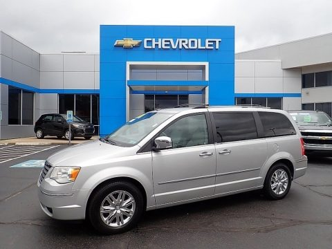 Bright Silver Metallic 2009 Chrysler Town & Country Limited