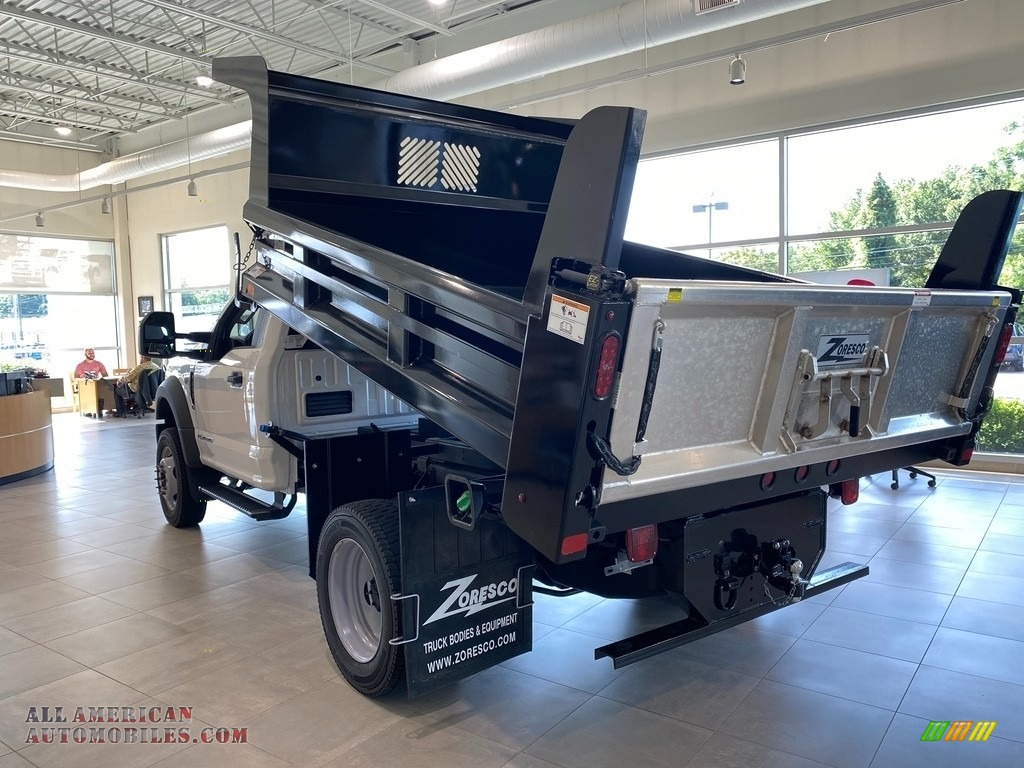 2021 F550 Super Duty XL Regular Cab 4x4 Chassis Dump Truck - Oxford White / Medium Earth Gray photo #3