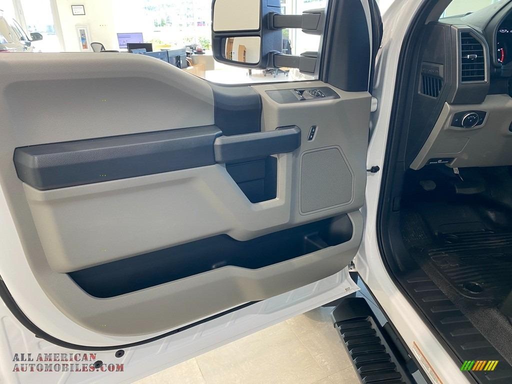 2021 F550 Super Duty XL Regular Cab 4x4 Chassis Dump Truck - Oxford White / Medium Earth Gray photo #14