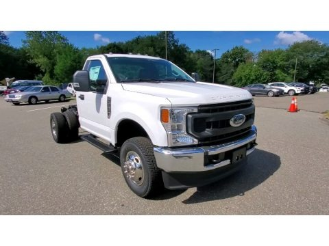 Oxford White 2022 Ford F350 Super Duty XL Regular Cab 4x4 Chassis