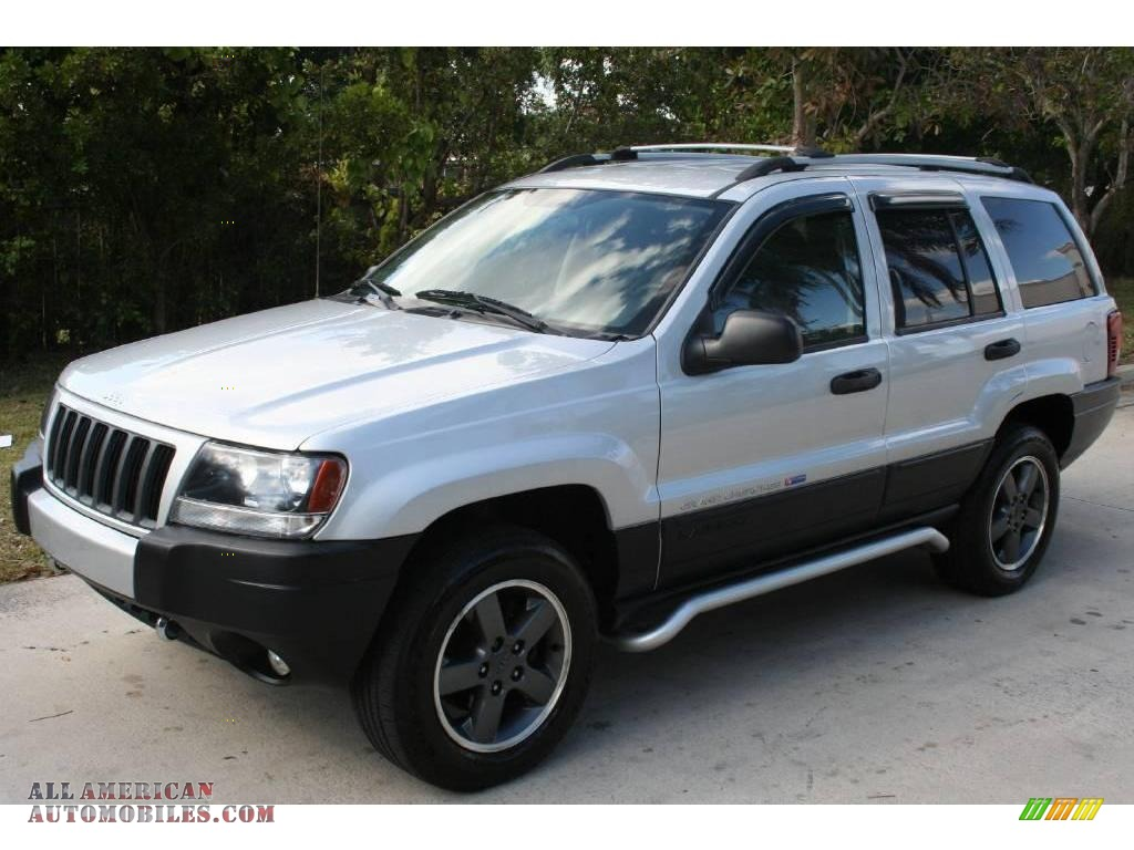 2004 jeep grand cherokee freedom edition 4x4 in bright silver metallic photo 2 159701 all. Black Bedroom Furniture Sets. Home Design Ideas