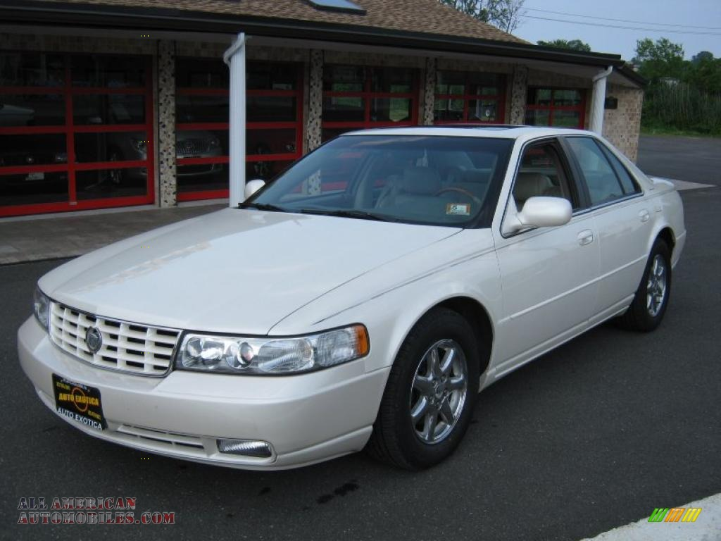1998 Cadillac Seville Sts In White Diamond Photo 2