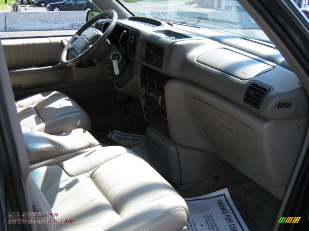 1994 chrysler town country in medium water blue metallic photo 4 281033 all american. Black Bedroom Furniture Sets. Home Design Ideas