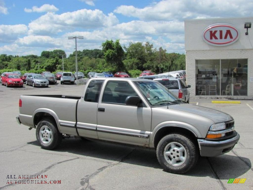 2001 Chevrolet S10 Ls Extended Cab 4x4 In Light Pewter