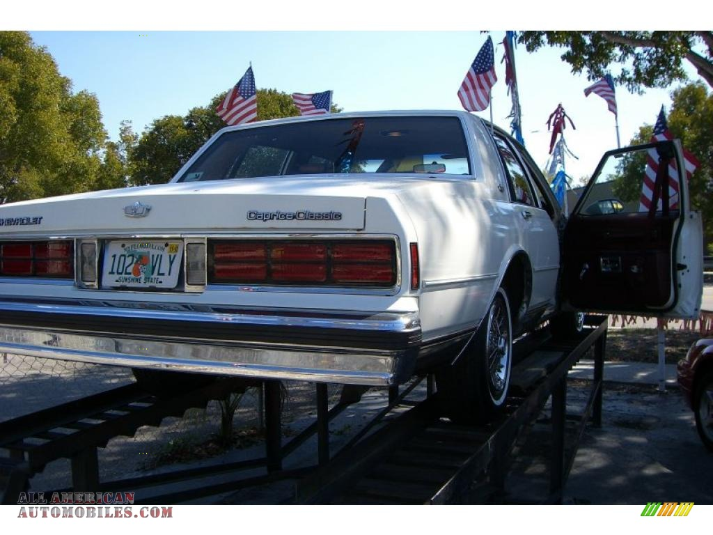 1990 Chevrolet Caprice Classic Sedan in White photo #4 - 120072 | All ...