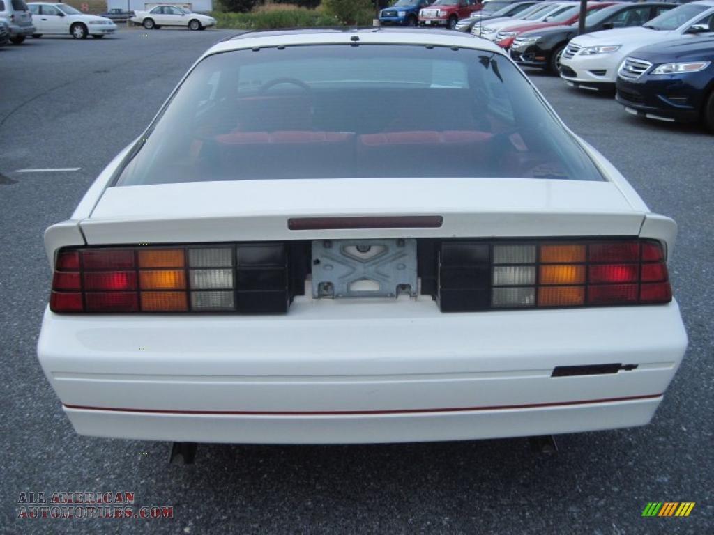 1989 Chevrolet Camaro Iroc Z Coupe In White Photo 9