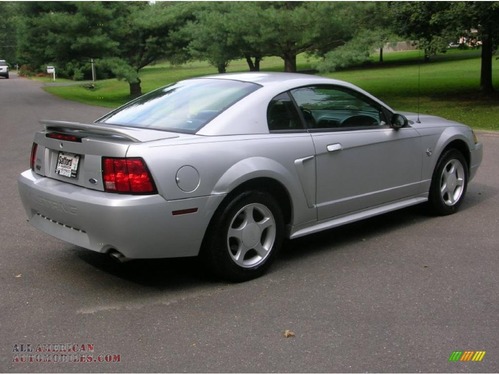 1999 Ford Mustang Gt Coupe In Silver Metallic Photo 2