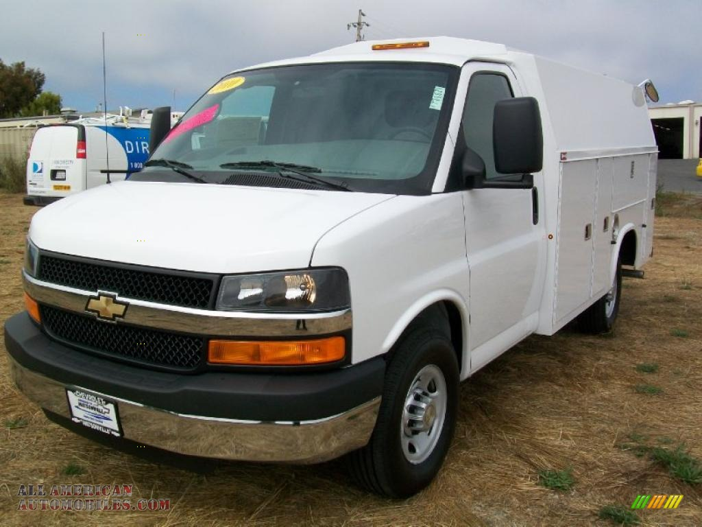 2010 chevrolet express cutaway 3500 commercial utility van in summit white photo 3 151347. Black Bedroom Furniture Sets. Home Design Ideas