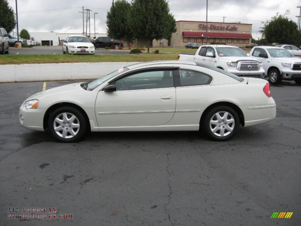 2004 chrysler sebring coupe in stone white photo 3 047010. Black Bedroom Furniture Sets. Home Design Ideas