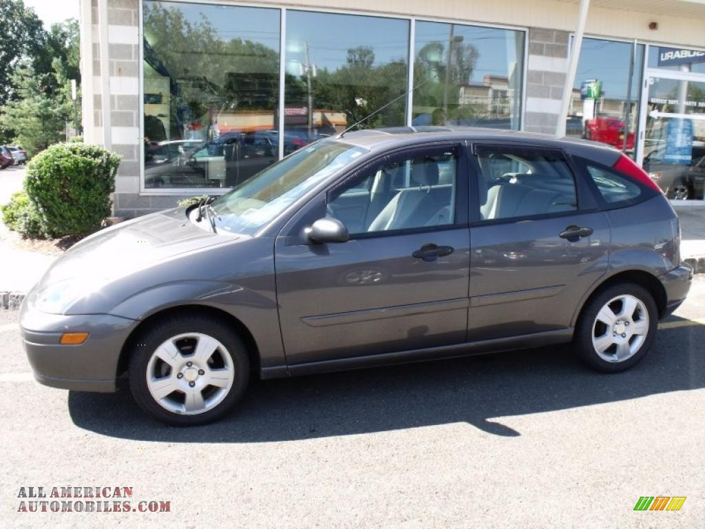 2004 ford focus zx5 hatchback in liquid grey metallic photo 3 115839 all american. Black Bedroom Furniture Sets. Home Design Ideas