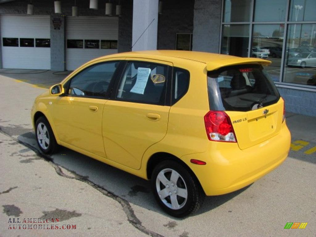 2006 Chevrolet Aveo Ls Hatchback In Summer Yellow Photo 4
