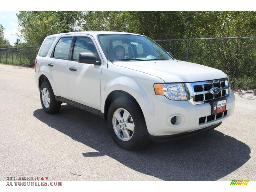 2011 Ford Escape XLS in White Suede photo #3 - A27181 ...