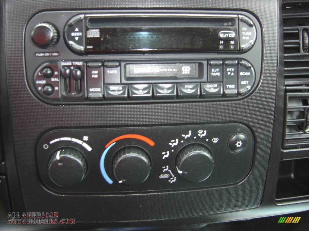 2003 Dodge Dakota Quad Cab 4x4 in Patriot Blue Pearl for sale photo #7