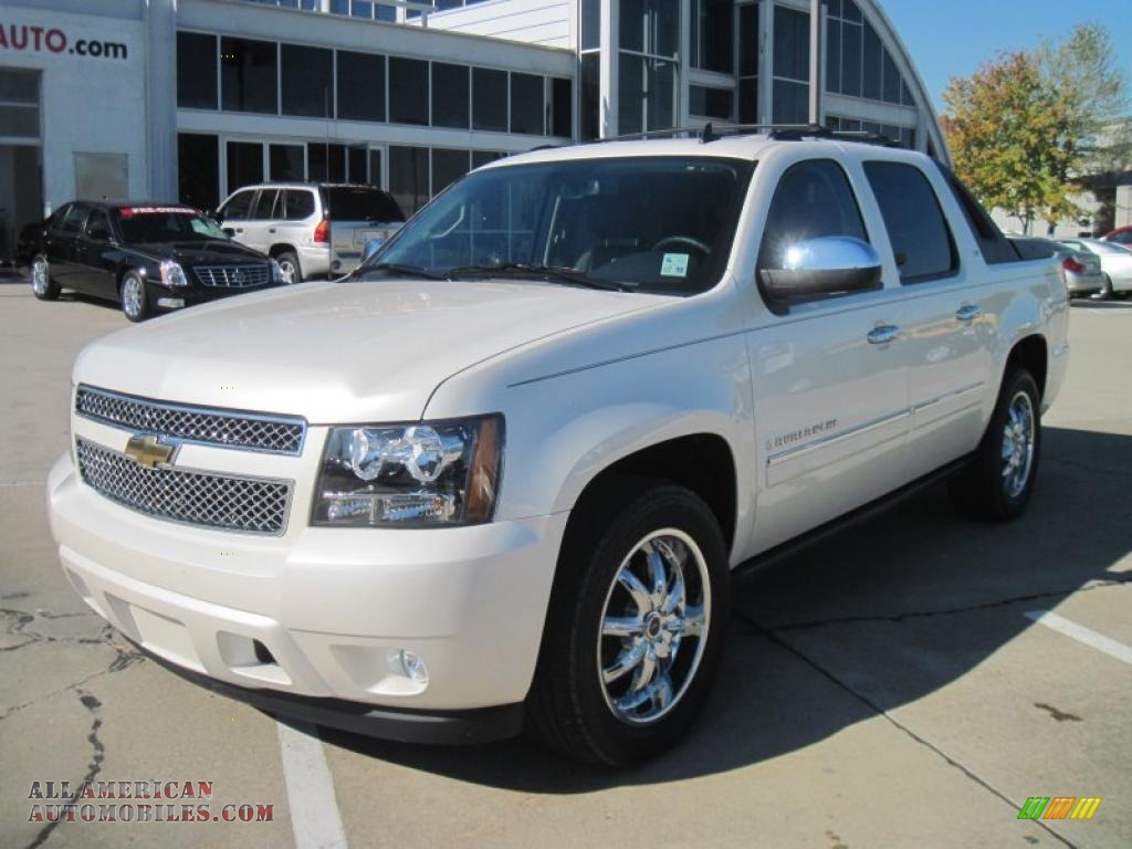 2009 chevrolet avalanche ltz in white diamond tricoat 172384 all american automobiles buy. Black Bedroom Furniture Sets. Home Design Ideas