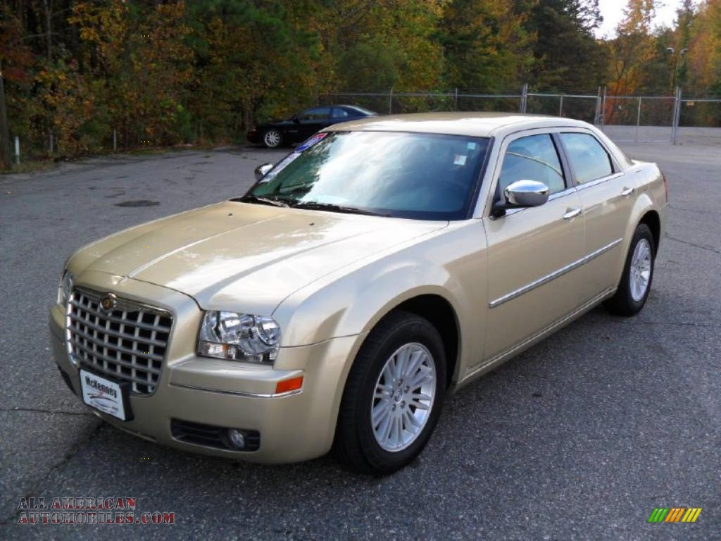 2010 Chrysler 300 Touring In White Gold Pearlcoat 206717 All American Automobiles Buy