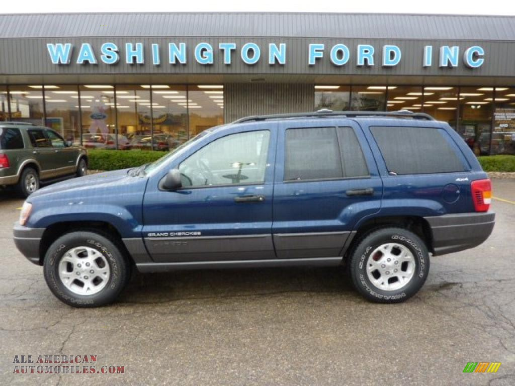 Patriot Blue Pearlcoat / Camel Jeep Grand Cherokee Laredo 4x4