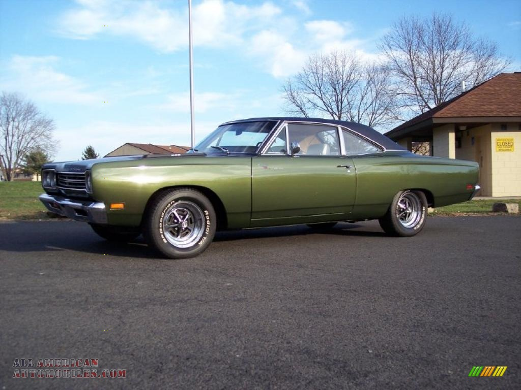 1969 plymouth road runner 2 door coupe in limelight green poly photo 8 310286 all american