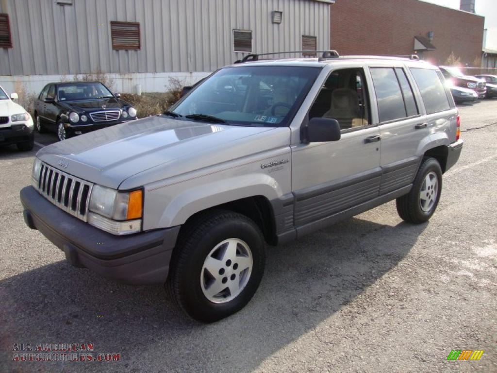 1995 jeep grand cherokee laredo 4x4 in light drift wood metallic photo. Cars Review. Best American Auto & Cars Review