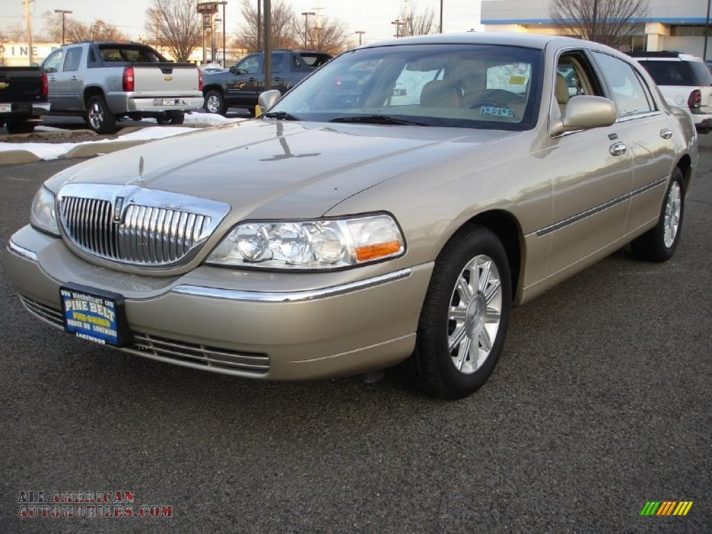 2007 lincoln town car signature limited in light french silk metallic 616944 all american. Black Bedroom Furniture Sets. Home Design Ideas