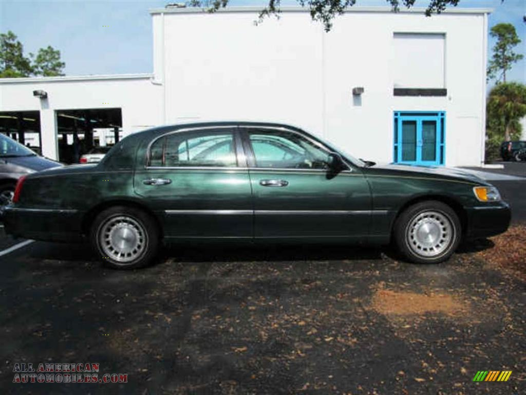 1998 Lincoln Town Car Executive In Medium Charcoal Green Metallic