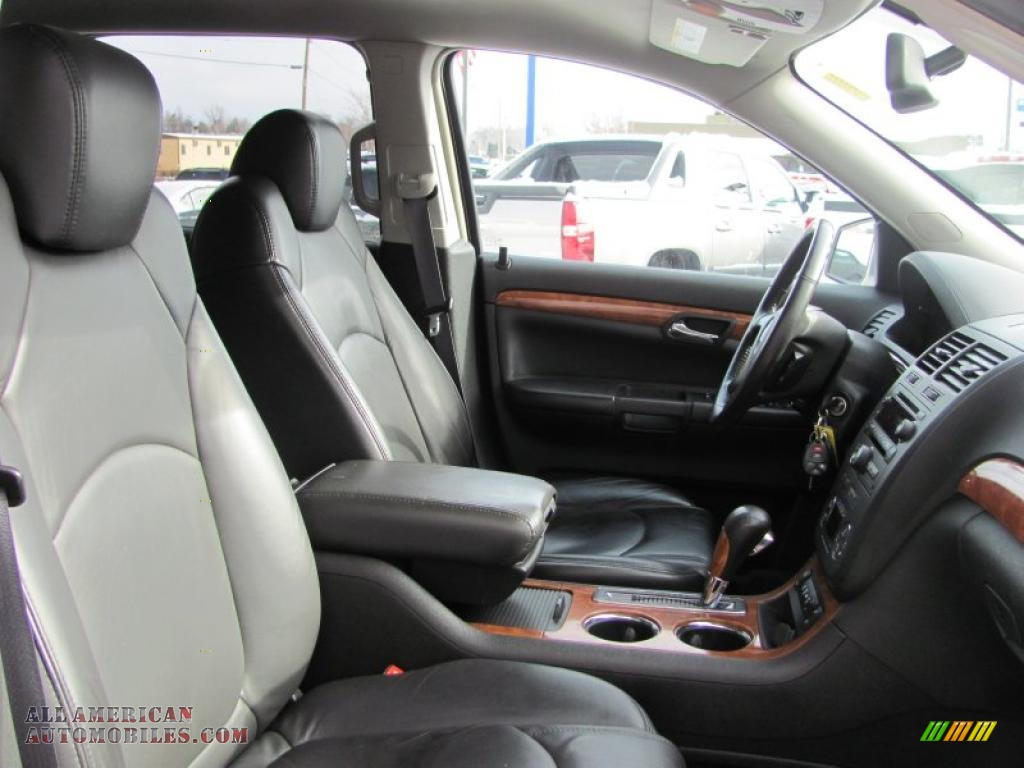 2007 Saturn Outlook Xr Awd In Silver Pearl Photo 24