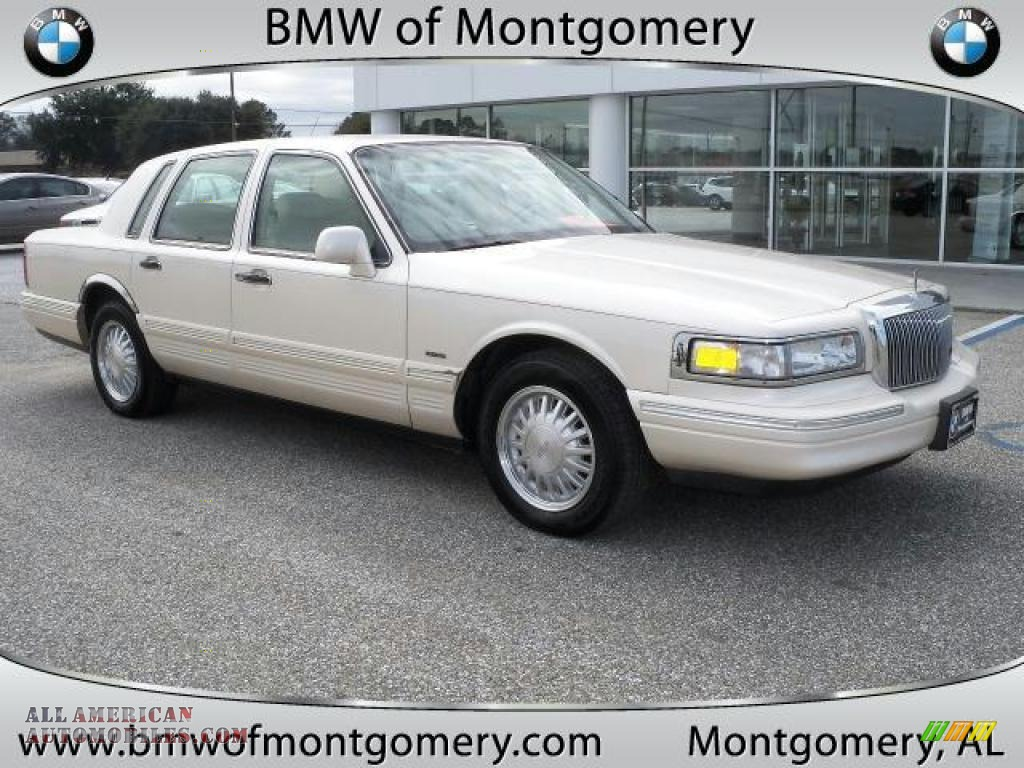 1996 lincoln town car cartier in ivory pearl tri coat 646056 all american automobiles buy. Black Bedroom Furniture Sets. Home Design Ideas