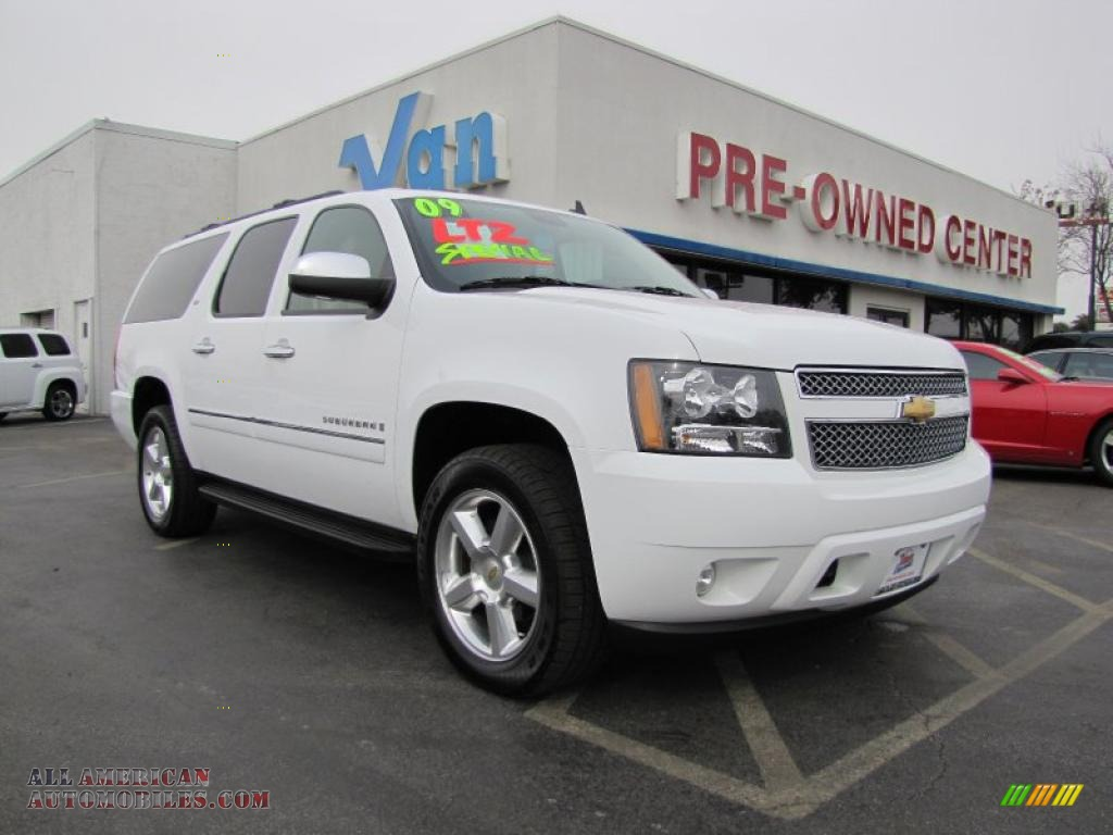 2009 chevrolet suburban ltz 4x4 in white diamond tintcoat. Black Bedroom Furniture Sets. Home Design Ideas