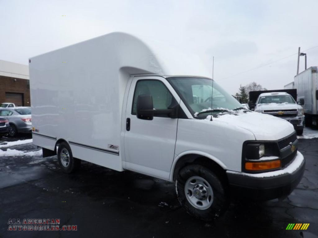 2011 chevrolet express cutaway 3500 moving van in summit white photo 8 104631 all american. Black Bedroom Furniture Sets. Home Design Ideas
